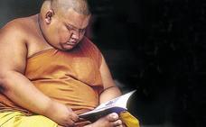 Los monjes budistas de Tailandia cada día están más gordos