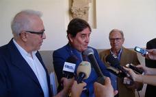 García Montero defiende la poesía como «apuesta por el humanismo» en los cursos de la UNIA