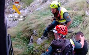 La Guardia Civil rescata a dos mujeres en el entorno de Sierra Nevada el fin de semana