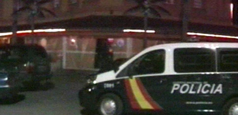 La Policía busca al autor del apuñalamiento de un hombre en un club de alterne