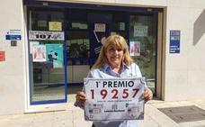 Una lotera guarda un décimo premiado con 60.000 euros a un cliente que no lo pagó