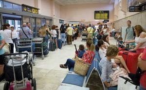 Facua se reunirá con AENA por la reiterada cancelación de vuelos en el aeropuerto de Granada