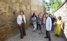 La Alhambra restaura el muro de la Huerta Grande del Generalife