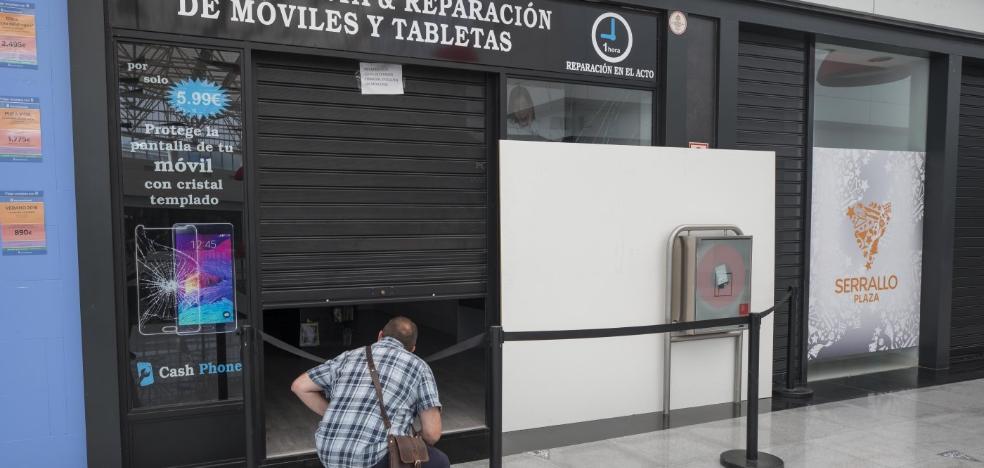 Se llevan 60.000 euros en móviles en el octavo robo en un mes