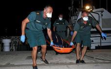 Buscan otro cadáver de un inmigrante en aguas del Alborán