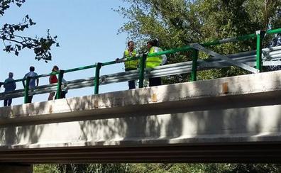 Entra en servicio el nuevo puente sobre el río San Juan en Castillo de Locubín tras su reparación de emergencia