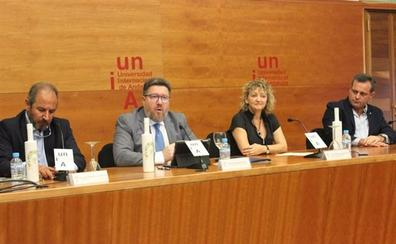 Sánchez Haro resalta el potencial económico y ambiental de los restos vegetales aprovechables que genera el olivar