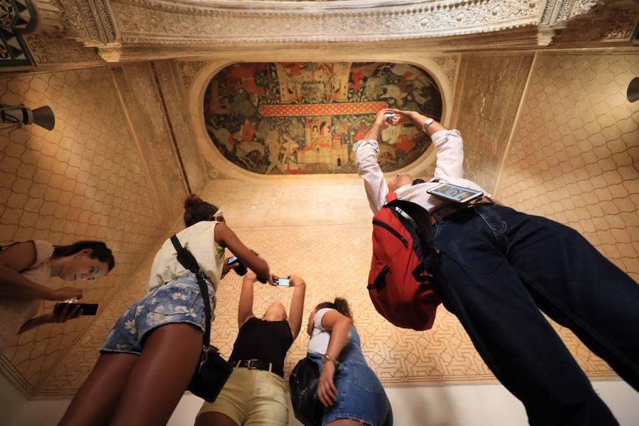 Así luce la sala de los Reyes de la Alhambra tras su restauración