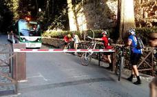 El tránsito de las bicicletas en la Alhambra es asunto municipal, según su Patronato