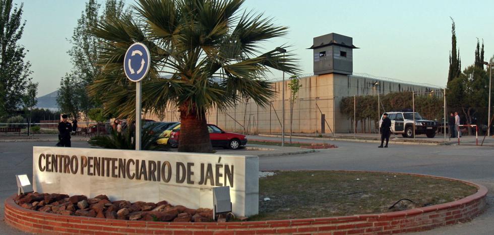 Agreden a dos funcionarios del centro penitenciario de Jaén