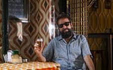 Andrés López: «Suelo buscar refugio en la barra de algún bar amigo»