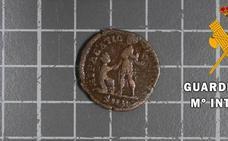 Recuperan en Almería 22 monedas del Imperio romano que estaban a la venta en Internet