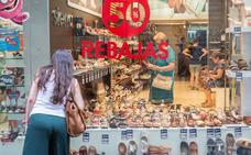 Las ventas caen un 15% en las rebajas de verano en el pequeño comercio