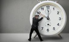 Cómo afecta el cambio de hora al cuerpo, según los expertos