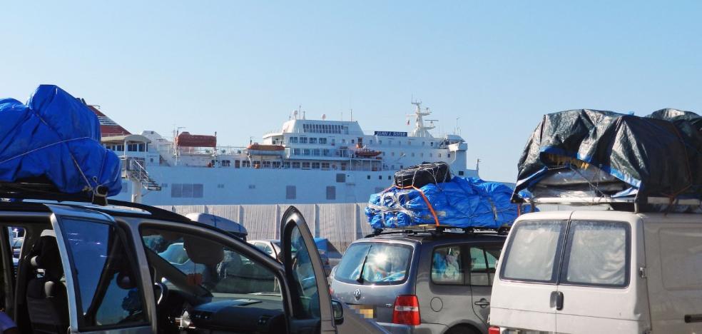 La operación retorno retrasa durante más de 12 horas la línea con Argelia