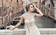 Un párroco veneciano propone una tasa a la novia en función de la «decencia» de su vestido