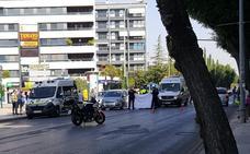 Un hombre sufre un infarto al volante y su vehículo choca con otro en la confluencia entre las calles Neptuno y Arabial