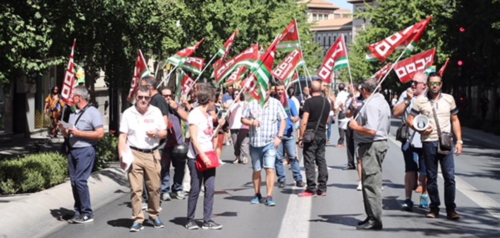 Los trabajadores de la línea 33, en huelga durante todo el día