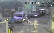 Agrede a su esposa en una gasolinera de Granada con su hijo en brazos