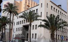 Piden cinco años de cárcel al funcionario de la UAL acusado de malversar 345.000 euros con sellos