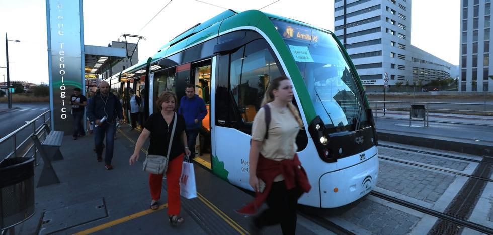 Los granadinos evitan el metro en su primera jornada de huelga
