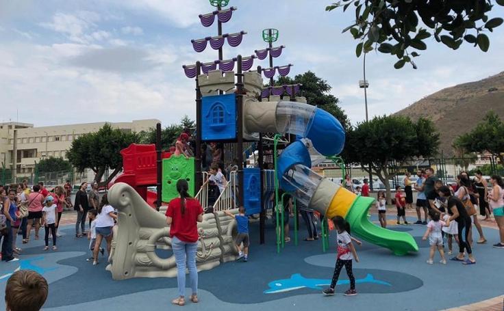 El parque de los columpios más modernos está en la Costa