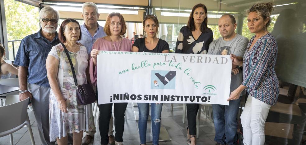 Un grupo de alumnos de Secundaria está sin plaza a cinco días para que empiece el curso