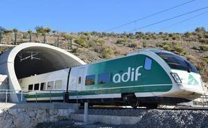 Adif construye un viaducto en la línea Madrid-Alcázar de San Juan-Jaén