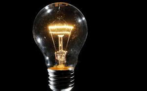 La luz, imparable, marca este miércoles otro máximo anual con las renovables en mínimos