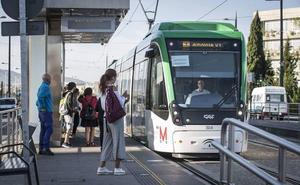 Siguen los paros parciales en el metro de Granada, secundados por toda la plantilla