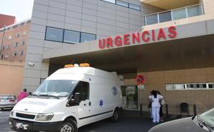 Muere tras una hora desangrándose, y esperando a la ambulancia, a cincuenta metros del hospital