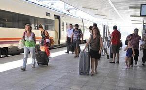 El ministro de Fomento anuncia en Twitter que el viaje a Madrid por Moreda parará en Linares