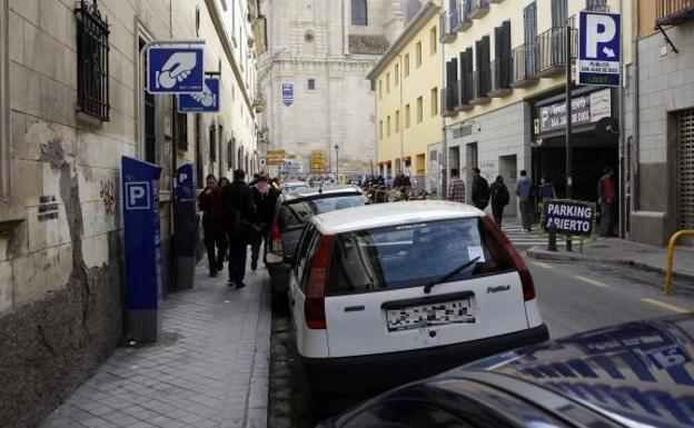 Mañana empieza el horario de invierno de la zona azul en Granada, ¿qué debes saber?