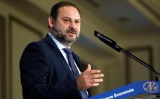 El ministro de Fomento anuncia que se va a licitar todo el paquete de inversiones del AVE en Almería