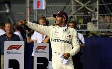 Hamilton se pone el traje de superhéroe