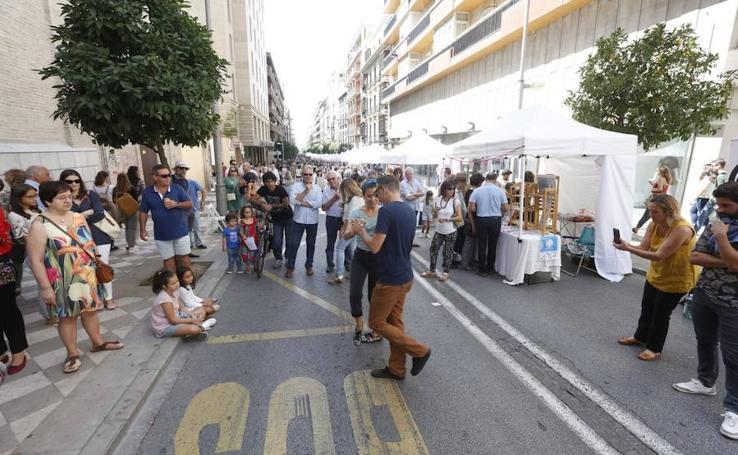 Recogidas, abarrotada de peatones