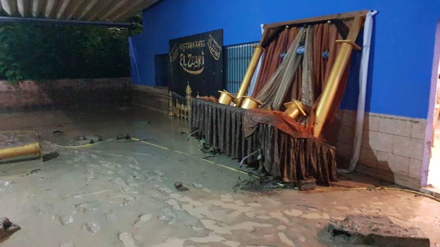 El restaurante Zegrí, inundado por el río Moro
