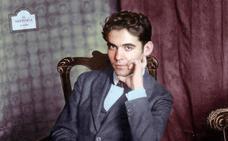 El acusado de un delito de odio por unos 'tuits' contra Lorca argumenta que «lo tenía cruzado desde pequeño»