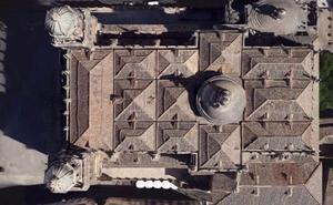 Las dos intervenciones presupuestadas para el tejado de la Catedral de Jaén no terminan de llegar