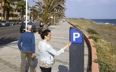 Ya es posible bajar a la playa en Salobreña y Almuñécar sin pagar la zona azul