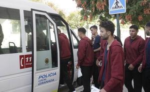 Granada activa por primera vez su protocolo de emergencia con 38 inmigrantes llegados de Motril