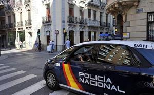 Roban una vivienda en Granada y los vecinos no denuncian porque creían que era una mudanza
