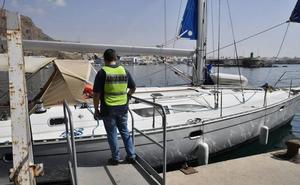 Interceptan un velero con 2.500 kilos de hachís a 60 millas del Cabo de Gata