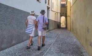 Granada busca la fórmula para frenar el 'boom' de pisos turísticos en Albaicín y Realejo