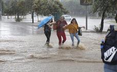 La tormenta provoca varias inundaciones en Granada capital y su área metropolitana