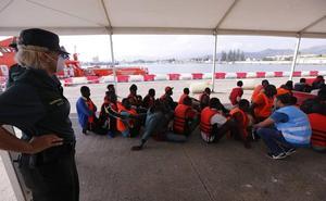 Aviones de Salvamento localizan cinco pateras con 230 supervivientes