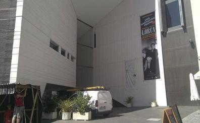 El Centro Lorca, vacío: «Ahora mismo no tenemos nada»