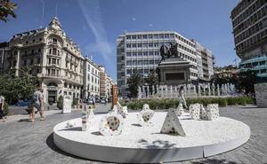 Obras de arte «sin prisas» por las calles de Granada
