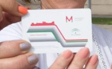 Las tarjetas semiflexibles del metro de Granada que se adquirieron hace un año caducan hoy