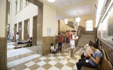 Los estudiantes le piden a la rectora más prácticas, más clases en inglés... y menos alumnos